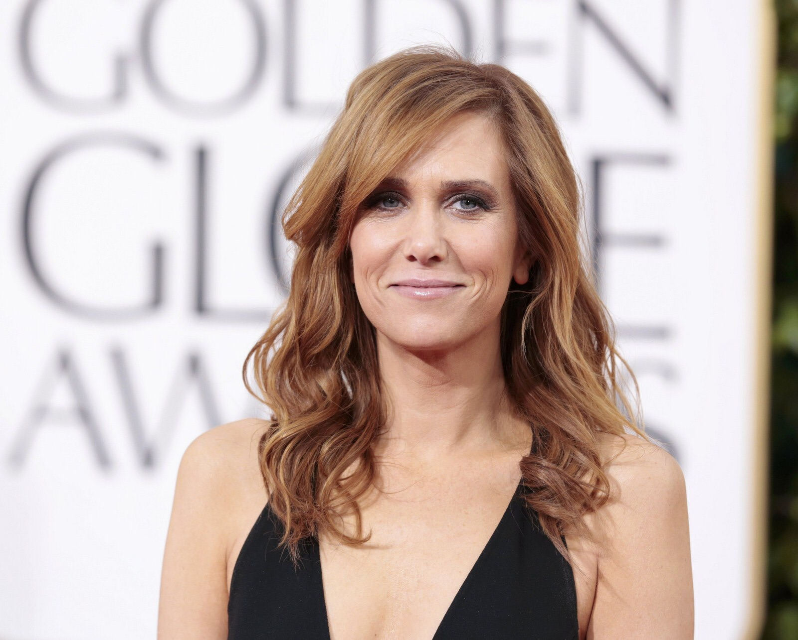 Kristen Wiig to present at the Golden Globes