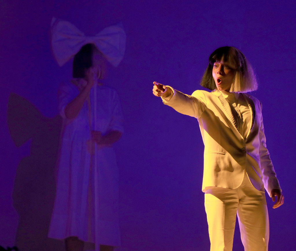 Kristen Wiig Performs with Sia at Coachella