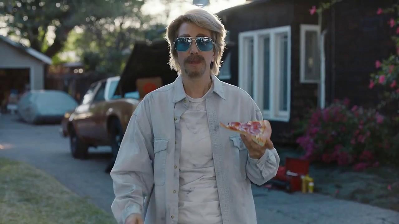 Kristen Wiig in Pizza Hut Commercial