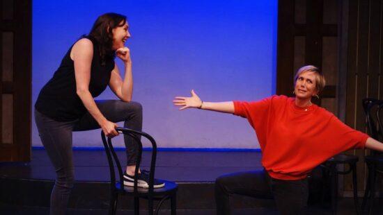Kristen Wiig Surprises Audience at The Groundlings