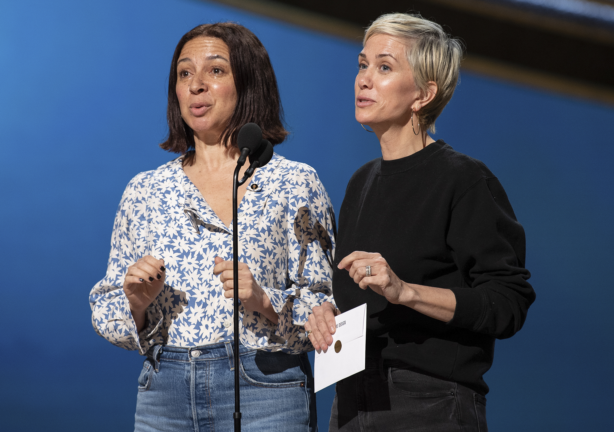 Kristen Wiig and Maya Rudolph Together at the Oscars Rehearsal!