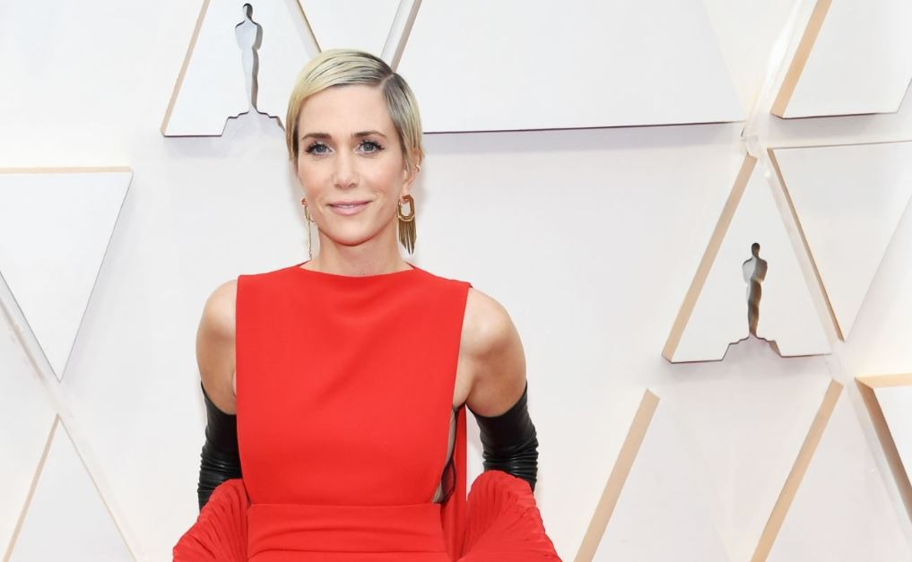 Pictures of Kristen Wiig at the Academy Awards